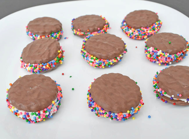 Thin Mint Sprinkle Sandwiches